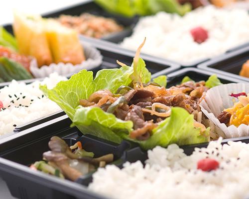 昼食はお弁当がでます!